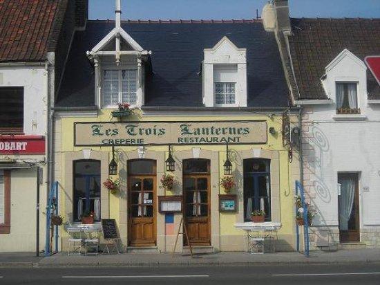 Etaples, France: facade exterieure actuelle