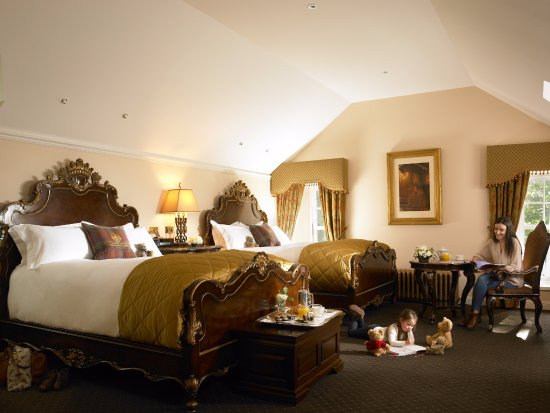 Macleod House & Lodge