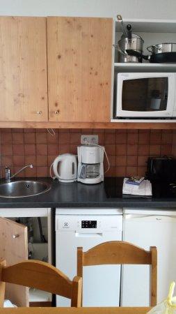 Pierre & Vacances Residence Les Sentiers du Tueda : Kitchen 2