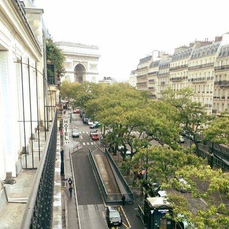 Hotel Regence Etoile: Vue de la chambre splendide sur l'arc de triomphe