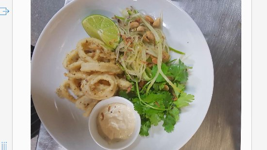 Monsoons: Salt and Pepper Calamari- Lightly flavoured and flash friend, this dish is Amazing!