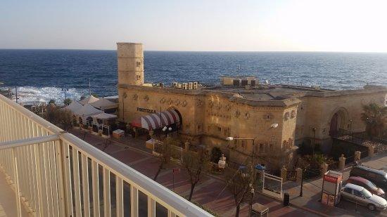 Astra Hotel Photo