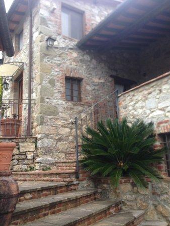 Borgo a Mozzano, Italia: Весь отель выглядит как сказочный старинный городок
