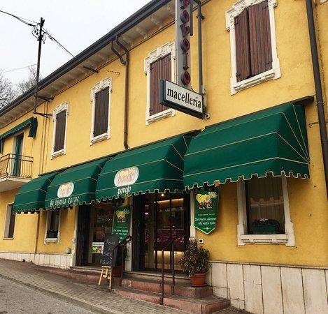 Sommacampagna, Italië: Macelleria Povolo