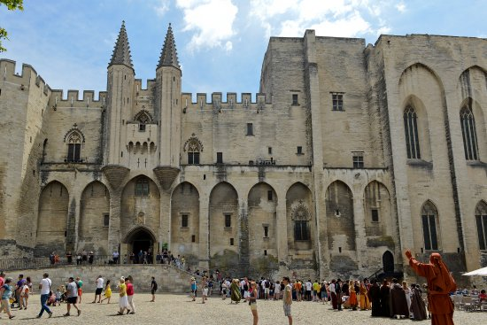Provence-Alpes-Cote d'Azur, France: Palais des Papes, Avignon. Photo by: par C. Almodovar