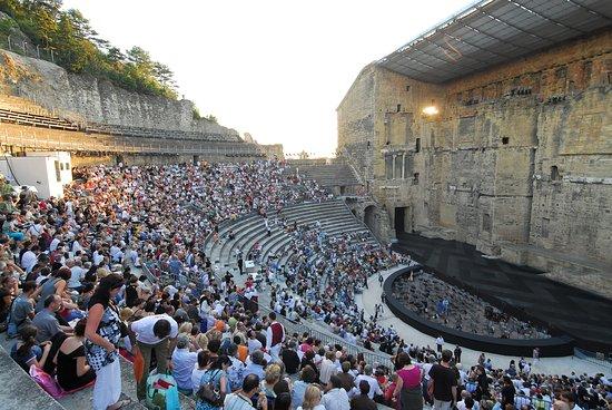 Provenza, Francia: Théâtre Antique, Orange. Photo by: J. Cabanel