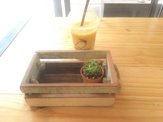 Karon Cafe Restaurant
