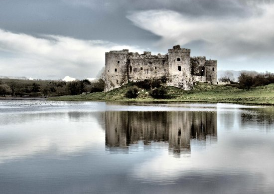 ‪Carew Castle & Tidal Mill‬
