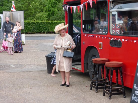Coltishall, UK: Bus bar queen