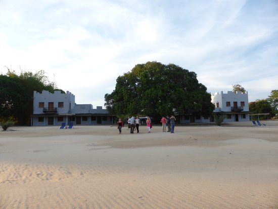 Chintheche, Malavi: View of the Kastle from the beach