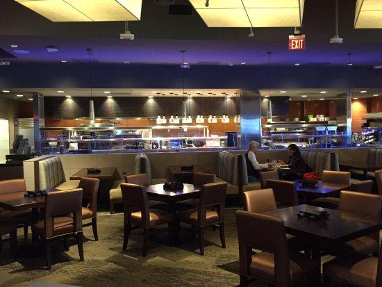 Fairfax, VA: Spacious dining space at Kona Grill
