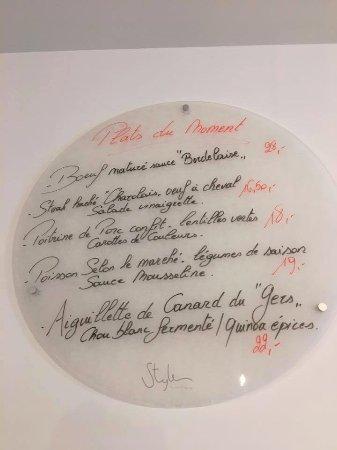Perwez, Belgique : La carte des plats du moment... est au mur