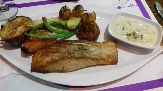 Beit Jala, Палестинские территории: Limoncello excellent food!