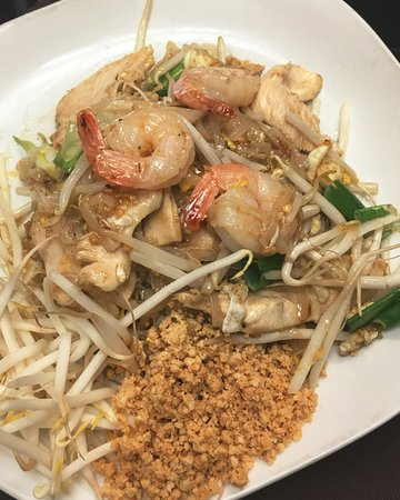 Newburyport, MA: Pad Thai