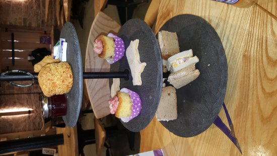 Annan, UK: Amazing value afternoon tea