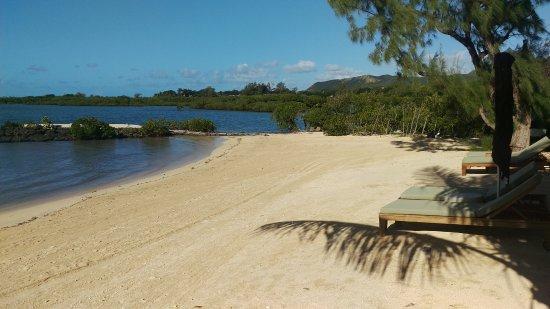 Four Seasons Resort Mauritius at Anahita: VILLA區的沙灘躺在吊床上享受寧靜及舒服的海風