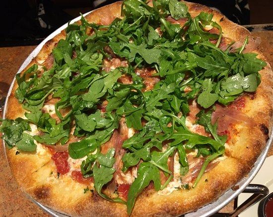 Plainville, CT: prosciutto pizza
