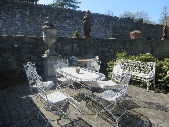 Slane, Irland: Outdoor dining at the The Tea Garden
