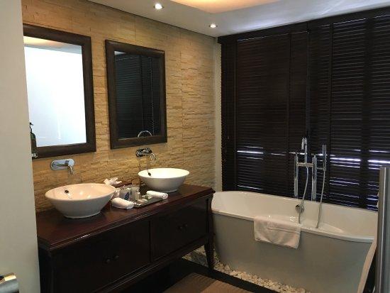 Dhevatara Beach Hotel: photo5.jpg
