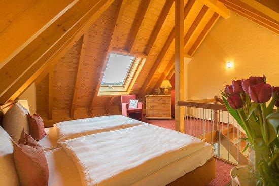 Hotel-Restaurant Felsentor: Maisonette Schlafbereich