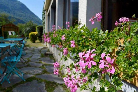 Albertville, France: terrasse de printemps