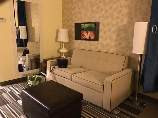 home 2 suites clarksville in