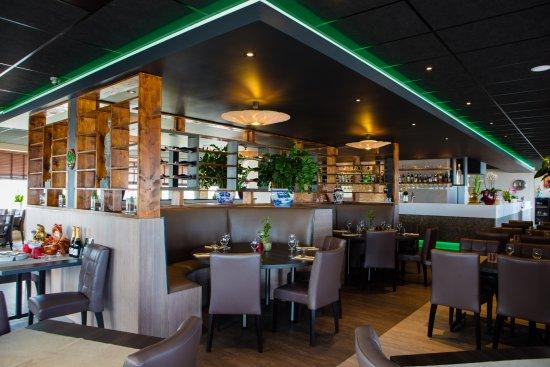 Ijmuiden, The Netherlands: Ronde tafels voor grotere gezelschappen