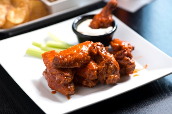 Liberty Tap Room & Grill: Chicken Wings