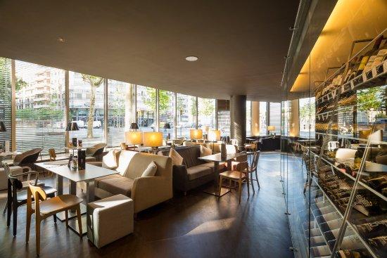 B bar barcellona eixample ristorante recensioni for Ostelli barcellona centro economici