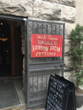 Restaurants Near Skull S Rainbow Room