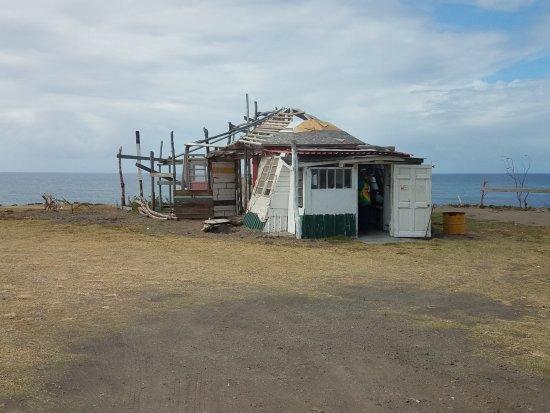 Dieppe Bay: тут живет тот кто каждый день видит, как карибское море и антлантический океан встречаются