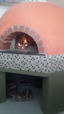 Table View, South Africa: Our pride and joy - Real Deal wood burning pizza oven