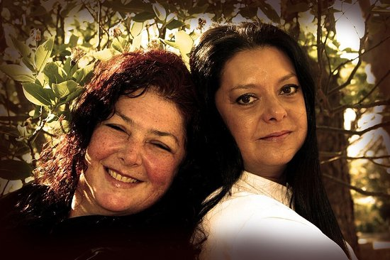Table View, South Africa: Dianne and Rochelle - the owners