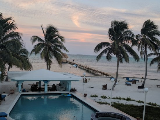 Sunset Beach Resort: View of the grounds from the condo balcony.