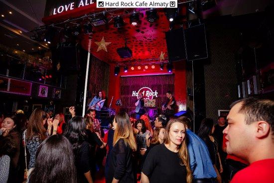 Hard Rock Cafe: Disco nights