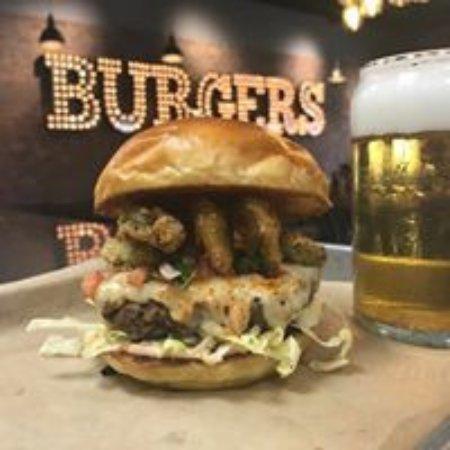 Kearney, NE: Border burger.