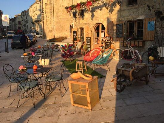Veloc Cafe: veloc terrasse