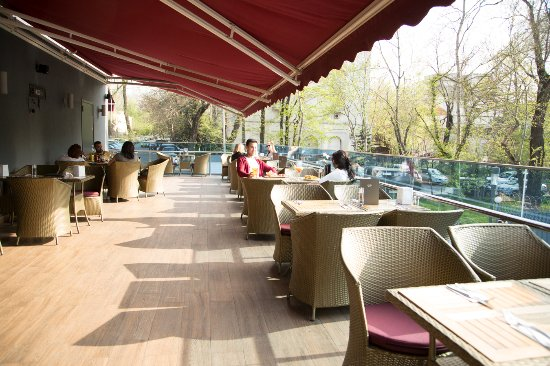 Hard Rock Cafe: Outside patio