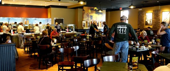 Hoover, AL: Busy Dining Room on a Saturday afternoon