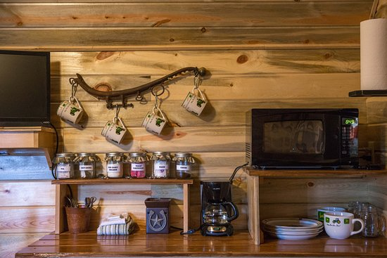 Monticello, Utah: kitchenette area