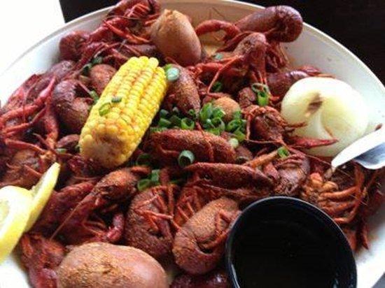 Acworth, Τζόρτζια: Henry's Famous Crawfish Boils