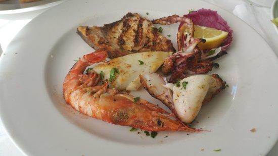 Tipica cucina di mare, familiare. - Picture of Da Giovanni, Vico ...