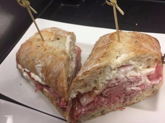 Perth, Canada: Roast Beef sandwich with horseradish mayo