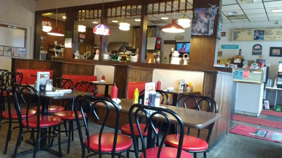 Celina, OH: Inside the nostalgic little restaurant The Fountain