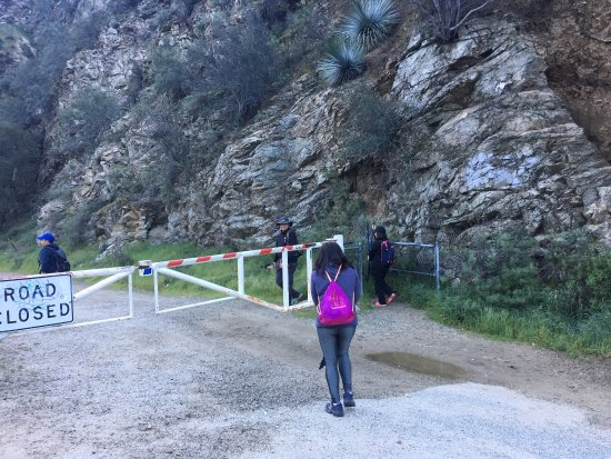 Azusa, CA: Start of trail