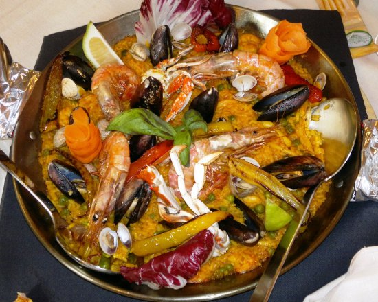 Inverigo, Italia: Paella