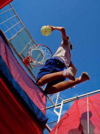 Brainerd, MN: Slam dunk like a pro!