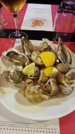 Herouville-Saint-Clair, France: assiette de fruits de mer