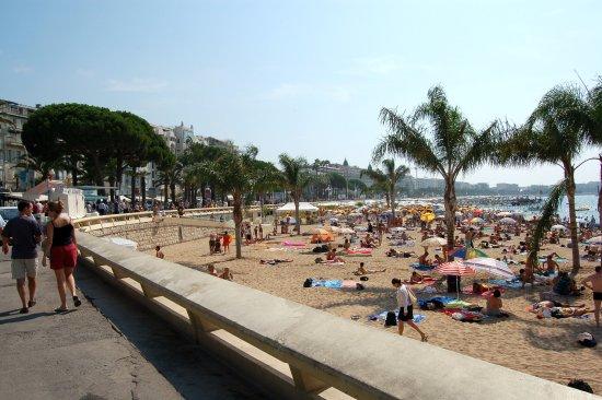 Plage Macé: The beach