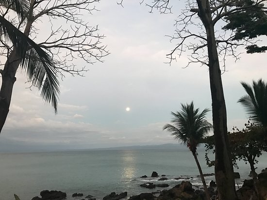 Tucan Terra: View of the Full Moon Rising from the shore